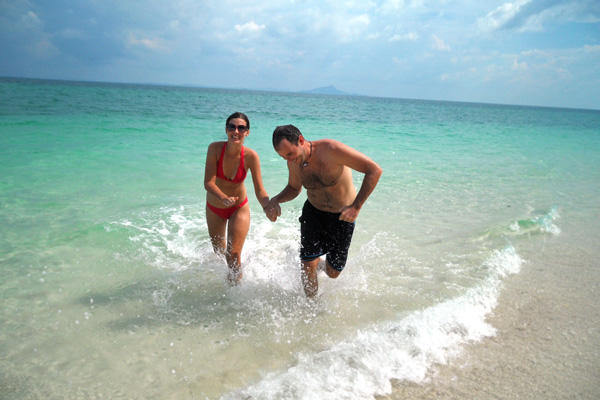 My beautiful wife and I traveling SE Asia in 2012 - living the Internet Marketing lifestyle!